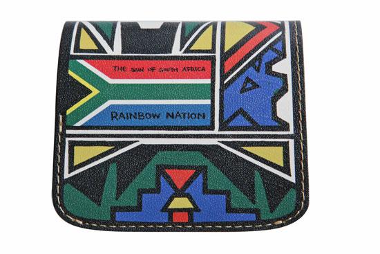 小さいふ。南アフリカモデル「AMANDLA」